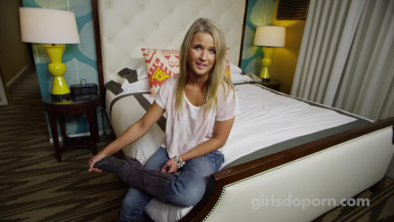 Primeira vez da namorada no motel