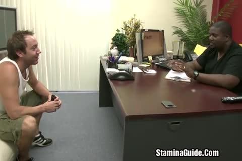 Amadora exibindo os peitinhos na webcam
