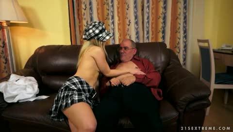 Video de incesto entre velho e sua neta