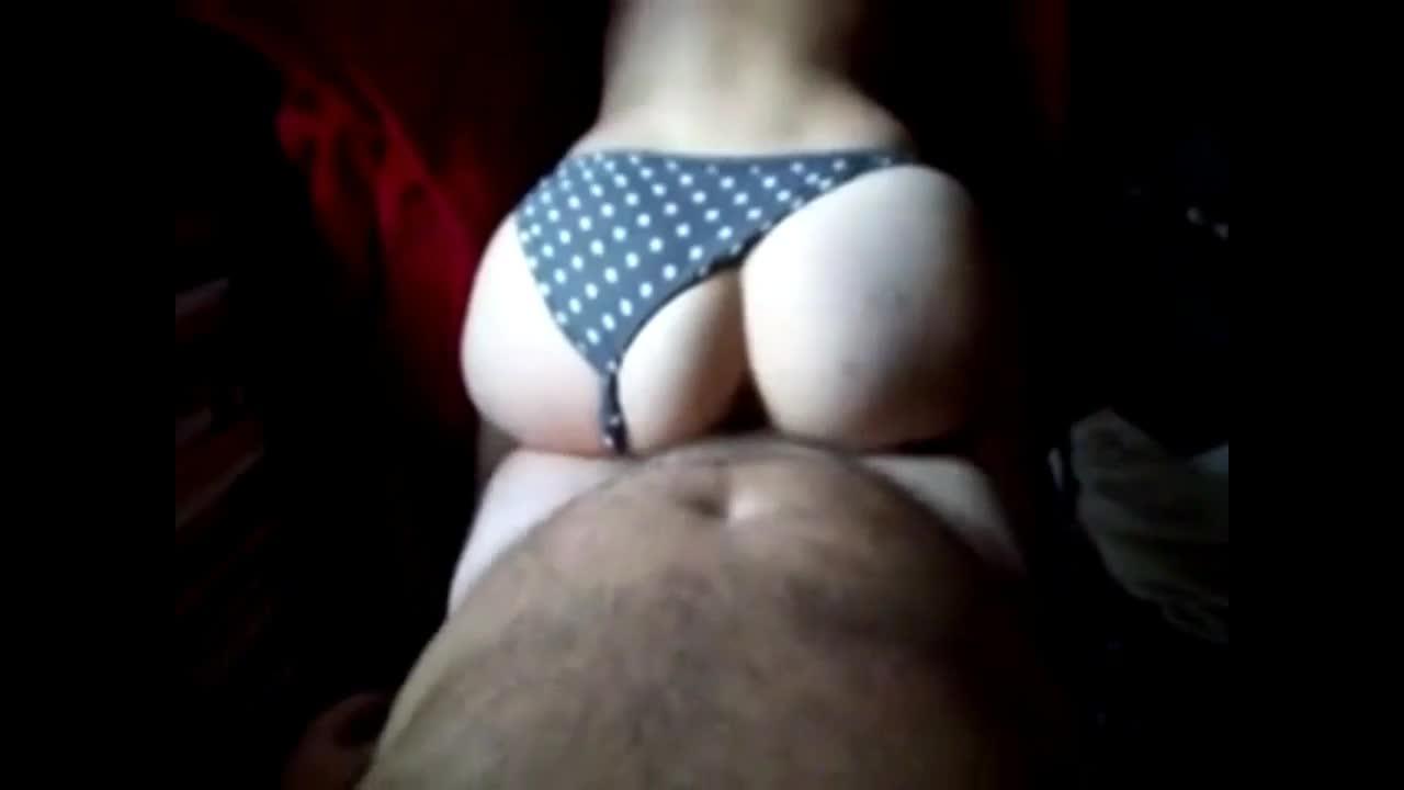 Porno caseiro com uma tesudinha